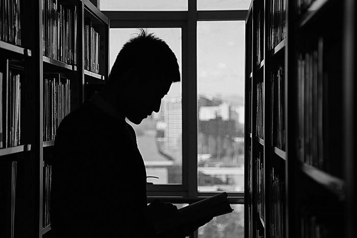 MBP Stalowa Wola:  Bohaterowie audiobooków – lekarze i pielęgniarki